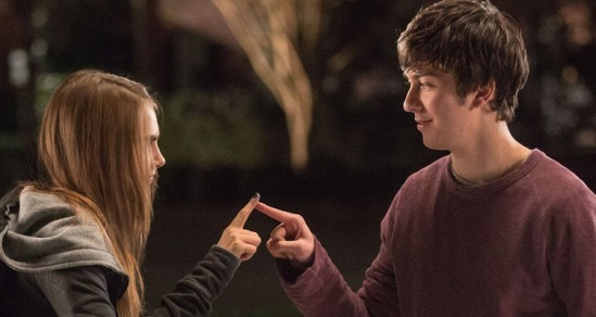 Paper-Towns-clip